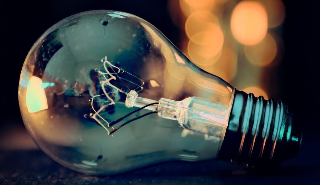 dc547-light-bulb-3535435_1280.jpg